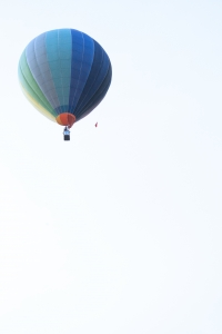 hot-air-balloon-1-1384512-m